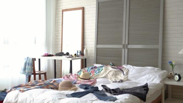 scene-of-the-modern-girl-s-bedroom