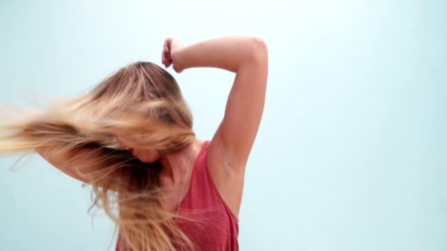 Beautiful-boho-fashion-girl-dancing