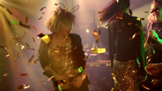 Bailando-en-el-confeti