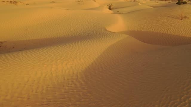 China-Xinjiang-Great-Desert