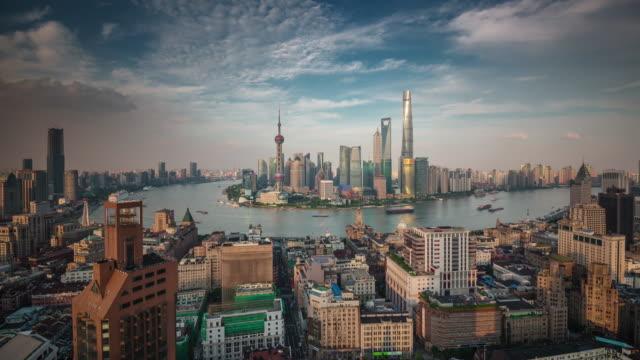 China-Shangai-panorama-puesta-del-sol-paisaje-urbano-superior-Bahía-de-famoso-techo-4k-lapso-de-tiempo