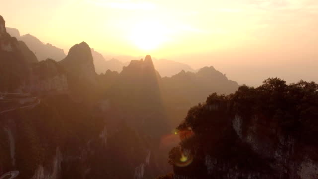 Tianmen-Mountains-in-Zhangjiajie