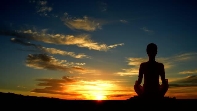 Outdoor-sunrise-yoga-girl