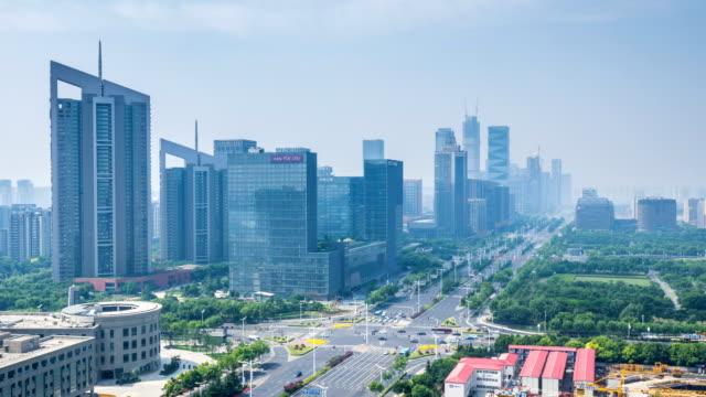 Lapso-de-tiempo-del-paisaje-urbano-en-la-ciudad-de-nanjing-china-día-nublado