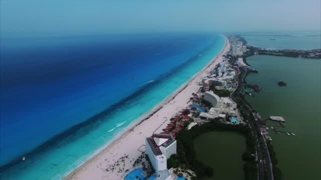 Imágenes-aéreas-de-Cancún-México