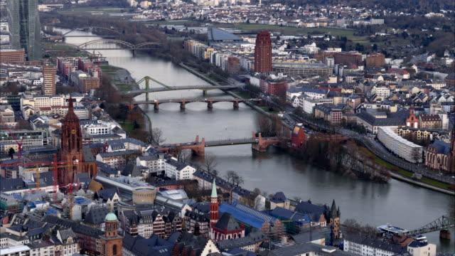 Francfort---los-puentes-sobre-el-río-Main-(Time-lapse-en-4K)