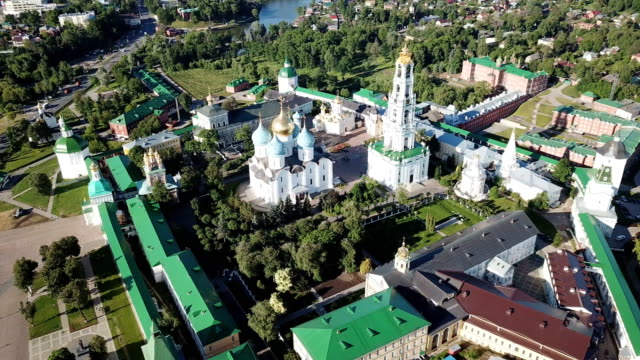 architectural-ensemble-of-Trinity-Lavra-of-St-Sergius-in-Russian-town