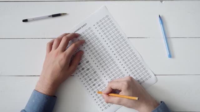 Tomar-examen-de-estudiante