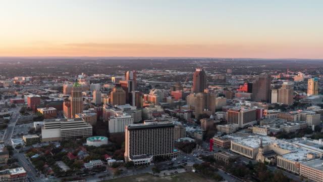 San-Antonio-Cityscape-Time-Lapse-Day-to-Night