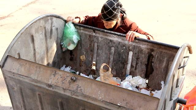 Mujer-en-la-pobreza-urbana
