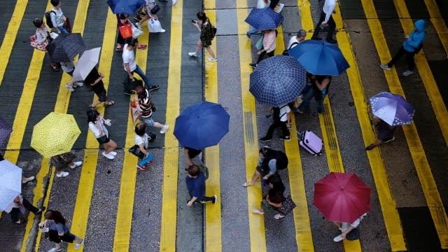 People-crossing-the-road