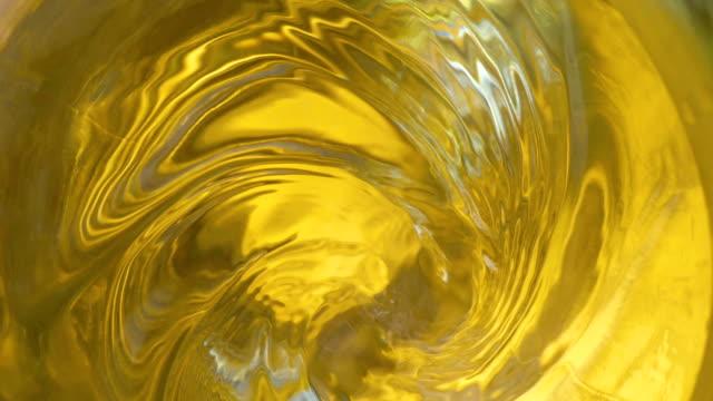 Swirl-of-tea-in-a-glass-in-slow-motion-180fps