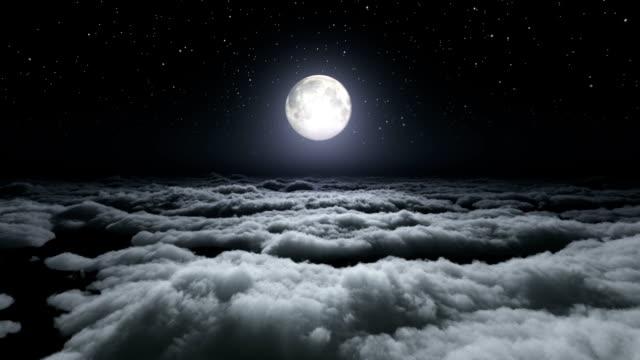 über-Wolken-Vollmond