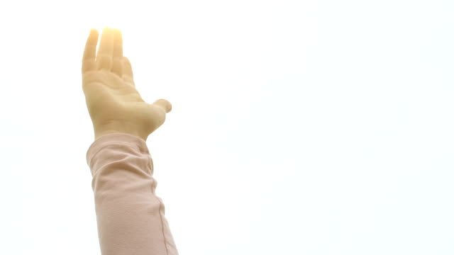 Frau-hebt-die-Hand-die-Gott-Licht-religiöse-weiblich-fühlt-sich-Heilige-Geist
