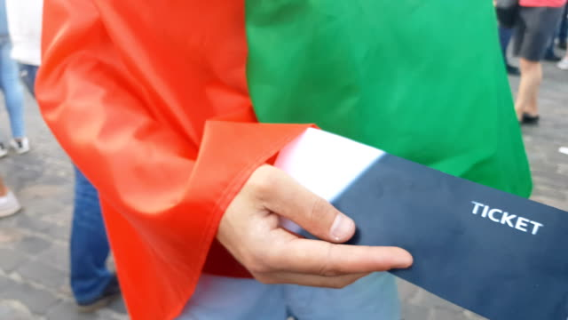Compra-de-reventa-ilegal-de-entradas-en-evento-deportivo-en-Italia-riesgo-fraude-y-ley