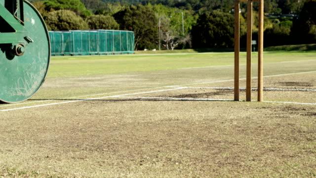 Rodillo-de-Cricket-para-preparar-echada-en-cricket-ground