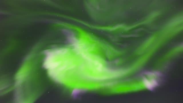 4-K-en-tiempo-real:-corona-boreal-Aurora-Boreal-en-el-Polo-Norte-Alaska---Video-Stock