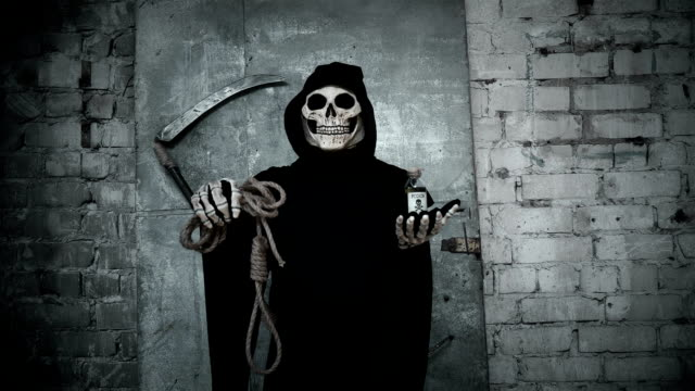 death-with-a-scythe-holding-a-rope-with-a-loop-and-a-vial-of-poison-offering-a-choice-between-them