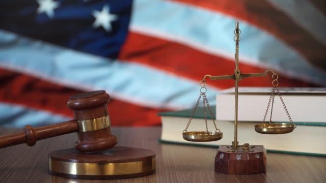 Justicia-de-las-leyes-de-Estados-Unidos-en-la-corte