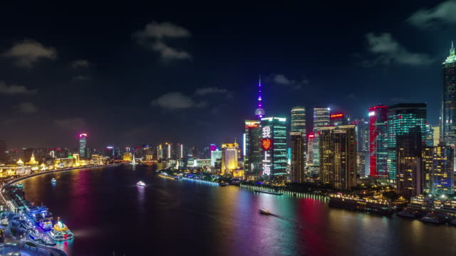 shanghai-night-light-panorama-4k-time-lapse-from-the-rooftop