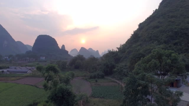 Yaungshuo-County-at-Sunset