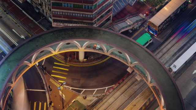 noche-paso-elevado-luz-caminos-4k-lapso-de-azotea-de-hong-kong