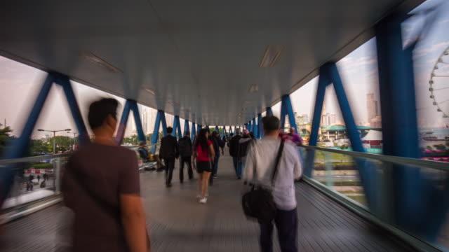 China-Sommer-Tag-Hong-Kong-Bucht-Brücke-zu-Fuß-Panorama-4k-Zeitraffer