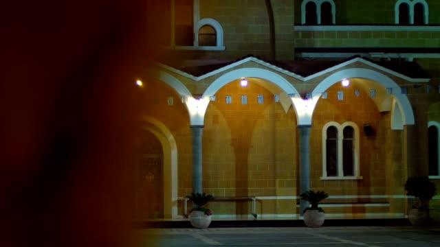 Las-columnas-de-puerta-vintage-y-linterna-de-noche-Arquitectura-de-Chipre