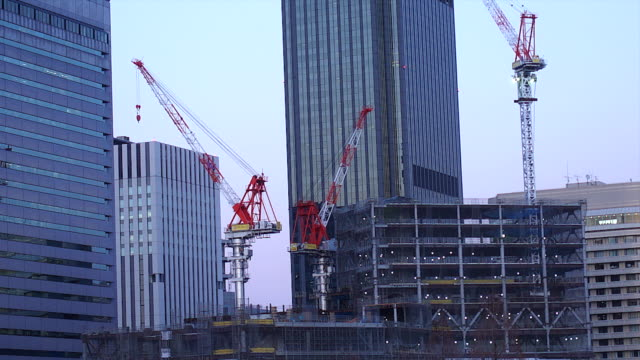 4K-Time-lapse-Construction-crane-in-construction-site-in-Osaka-Japan