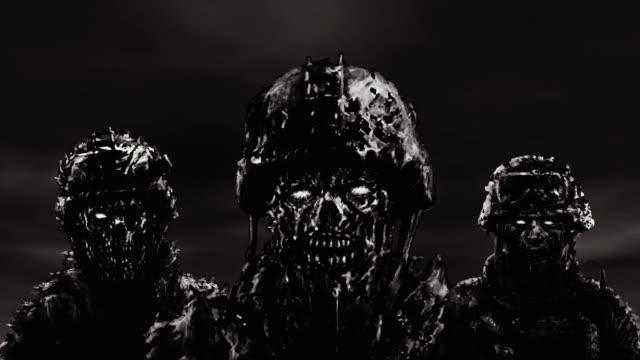 Tres-soldados-zombis-en-cascos-de-soporte-contra-un-cielo-oscuro