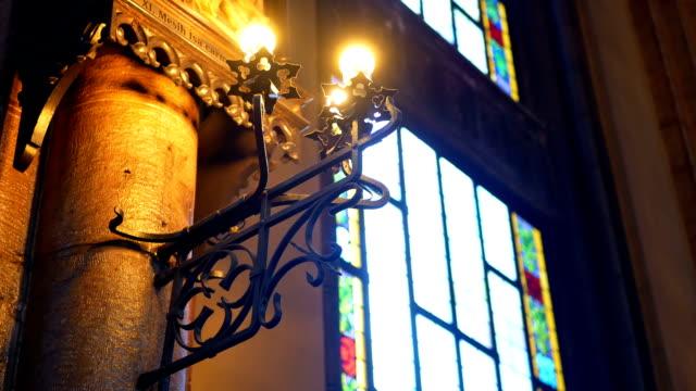 Ventana-interior-iglesia
