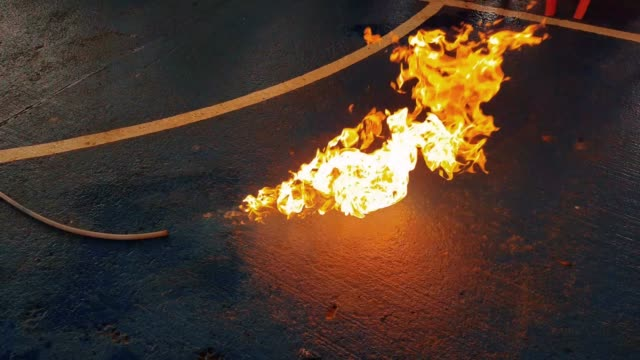 training-demonstration-fire-extinguishers-from-gas-fences