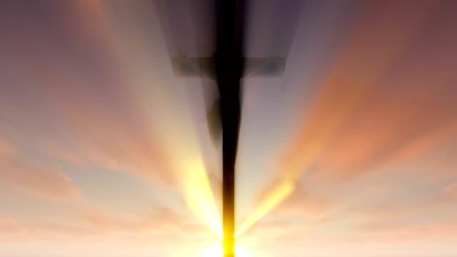 Jesus-Kreuz-gegen-Sonnenaufgang-4K