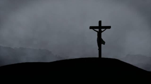 Jesus-Kreuz-Nacht-Sturm-mit-Blitzen-4K