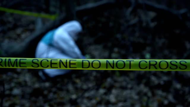 Trabajo-experto-forense-de-campo-en-la-escena-del-crimen-recolección-y-preservación-de-evidencia