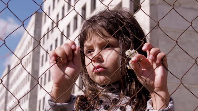 Niño-sin-hogar-Retrato-de-un-niño-sin-hogar-