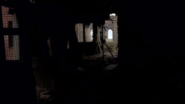FPV:-Das-Innere-des-verlassenen-zerfallenden-Stadt-Methodist-Church-erkunden