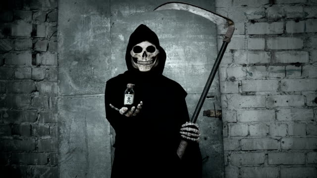 death-with-a-scythe-stretches-out-a-hand-in-which-holds-a-vial-of-poison-thereby-proposes-to-go-with-it-having-drunk-poison
