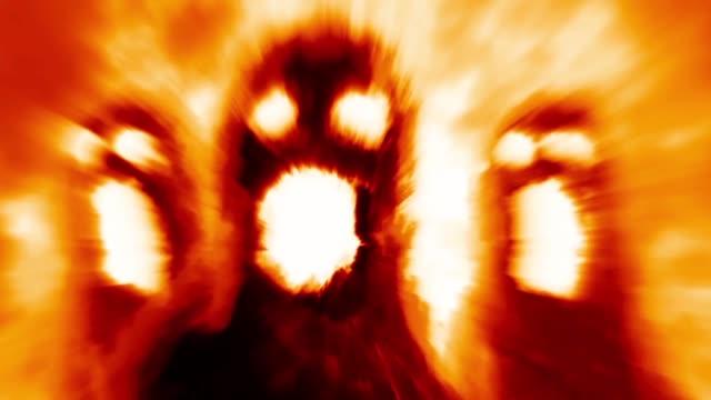 Sombras-de-monstruos-asustadizos-sobre-fondo-naranja-