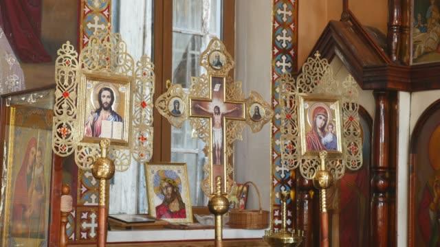 Interior-de-la-iglesia-Arquitectura-de-la-religión-cristiana