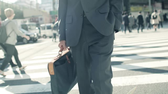 Japanese-businessman-going-to-work-in-the-morning