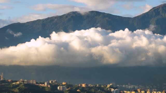 Panorámica-vista-del-distrito-este-en-Valle-de-la-ciudad-de-Caracas