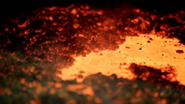 metal-líquido-en-la-fábrica-fundición-acero-metales-fundidos-fundido