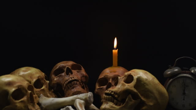 Halloween-the-skulls-on-black-background-4k-dolly-shot