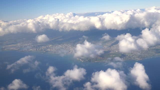 Aerial-shot-of-Oahu-Hawaii-in-4k