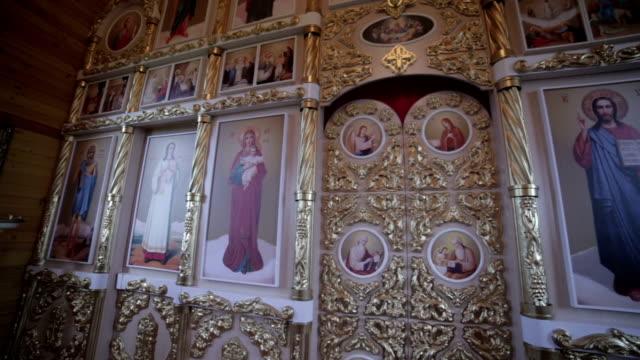 interior-de-la-Iglesia-ortodoxa-rusa