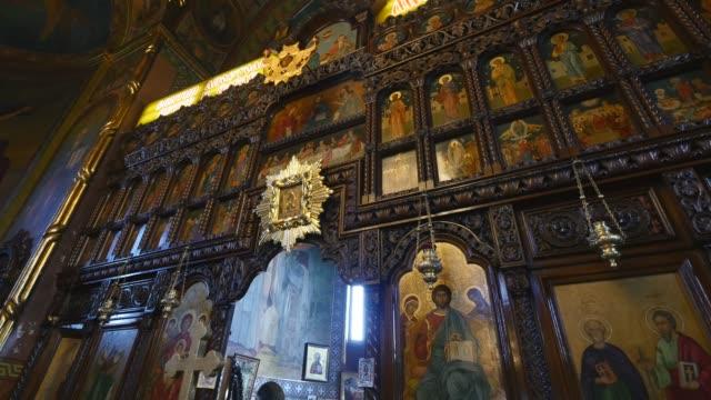 interior-de-la-iglesia-ortodoxa