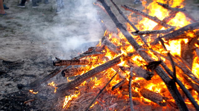 Big-Campfire-from-Branches-Burn-at-Night-in-the-Forest