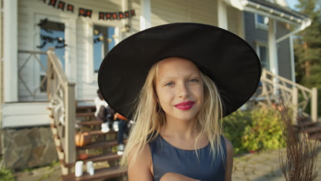Little-Witch-on-Halloween-Party