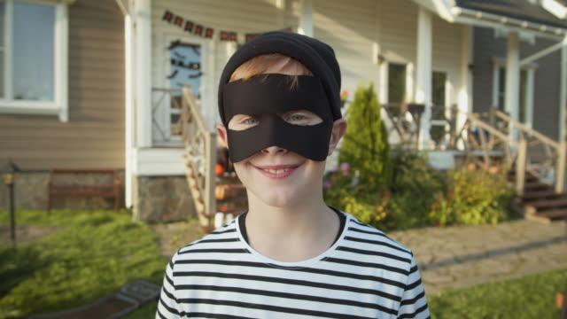 Portrait-of-Caucasian-Teenage-Boy-on-Halloween